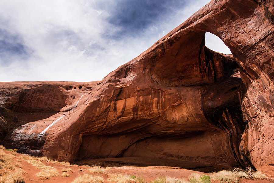 Monument Valley Photograph - Monument Valley eyehole by Roy Nierdieck