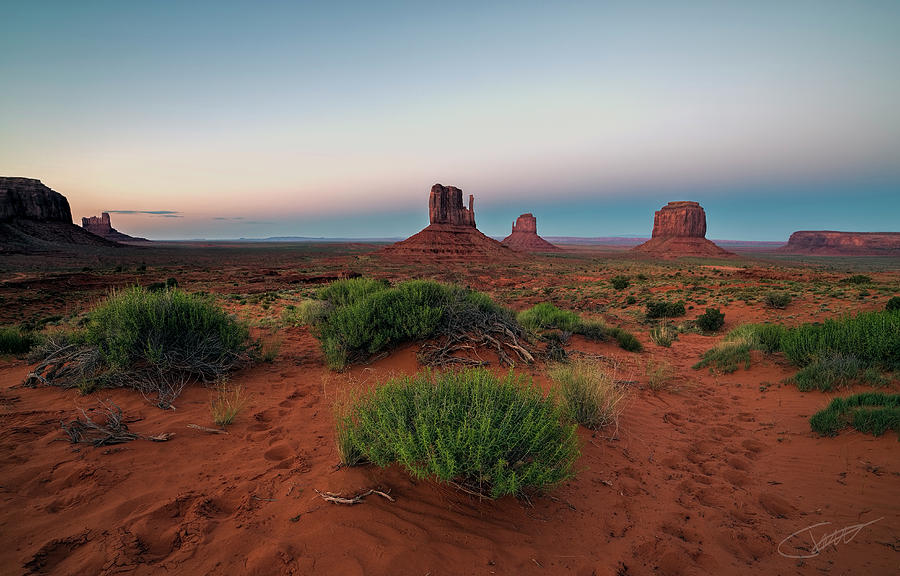 Monument valley by Jeff Niederstadt