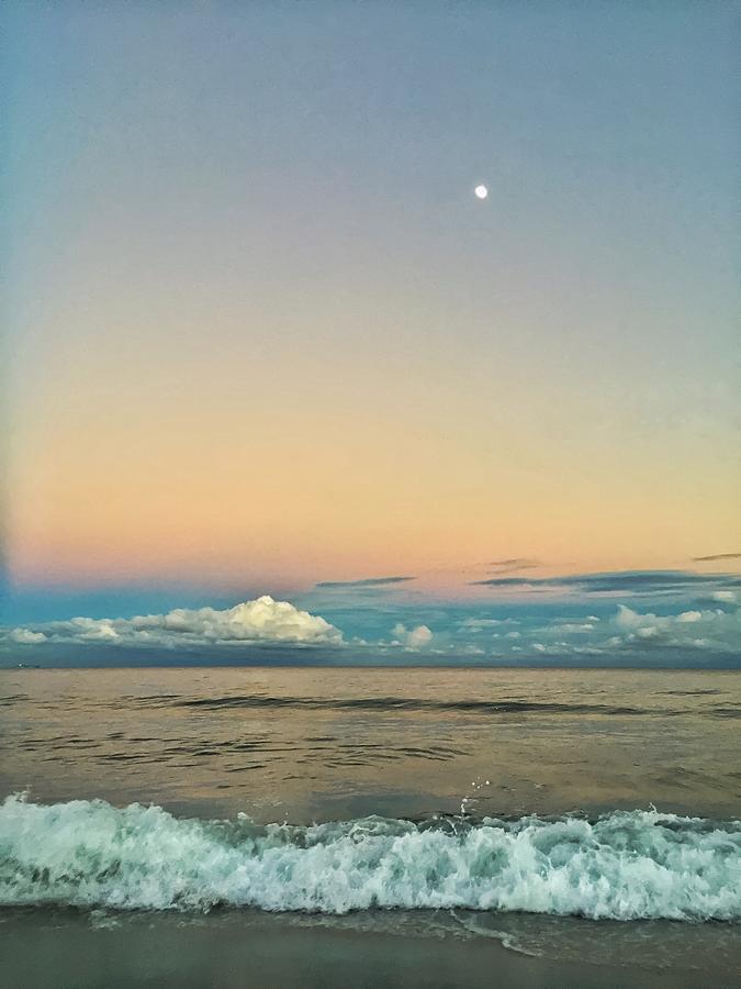Moon Rise by Juan Montalvo