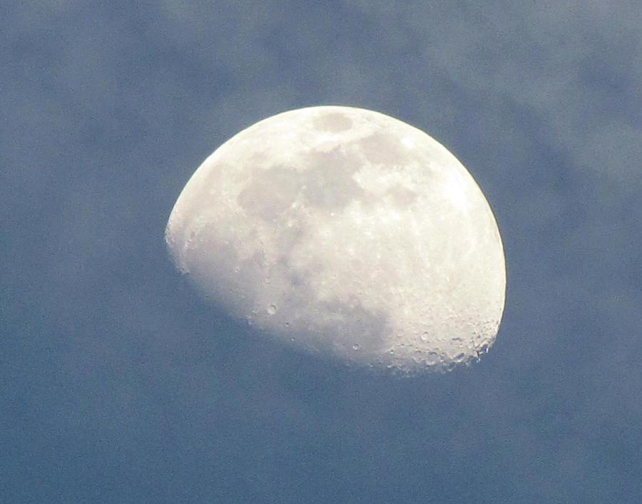 Moon Photograph - Moonrise by Helaine Cummins