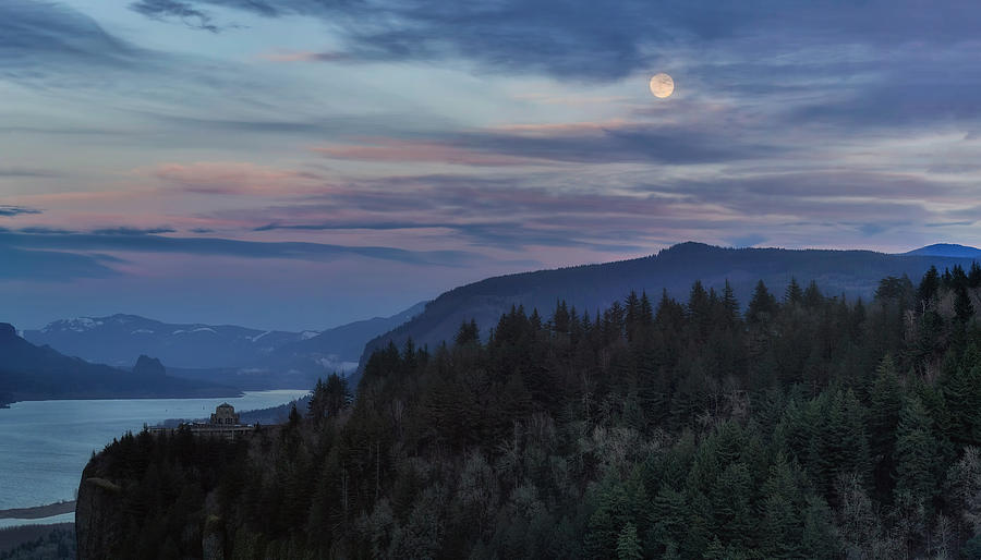 Crown Point Photograph - Moonrise Over Crown Point by David Gn