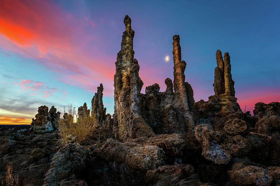 Moonset over Mono Lake by Dave Koch