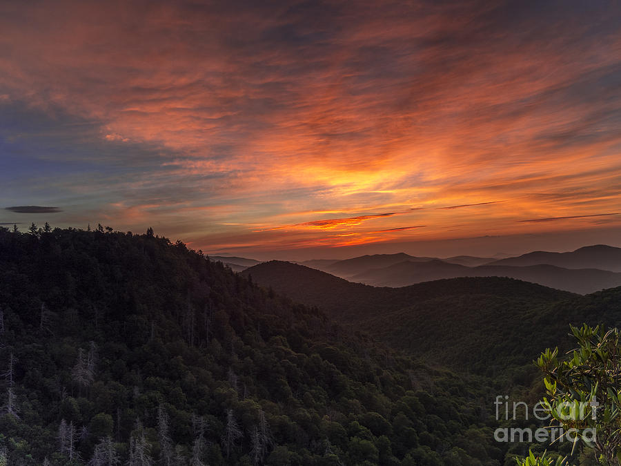 Landscape Photograph - Morning On The Parkway. by Itai Minovitz