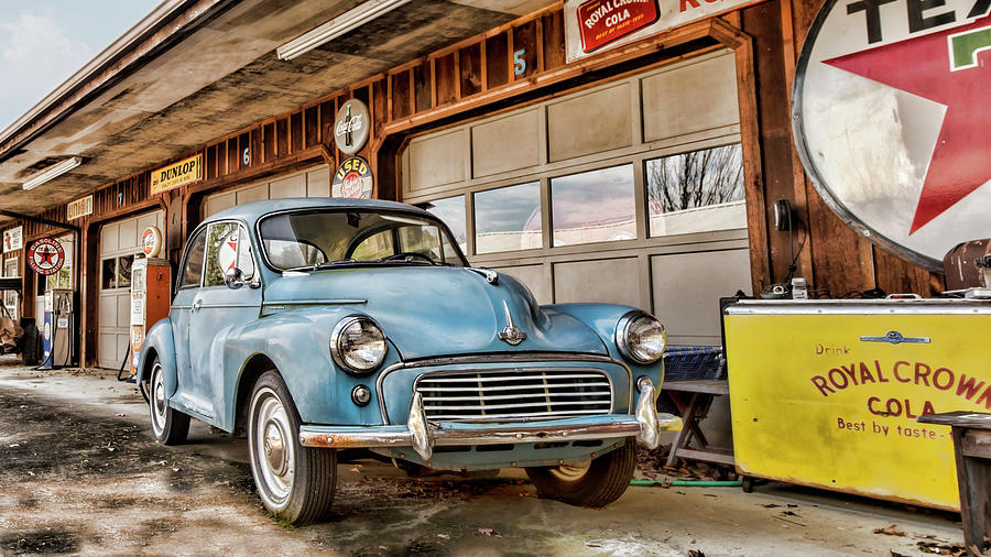 Morris Minor by Heather Applegate