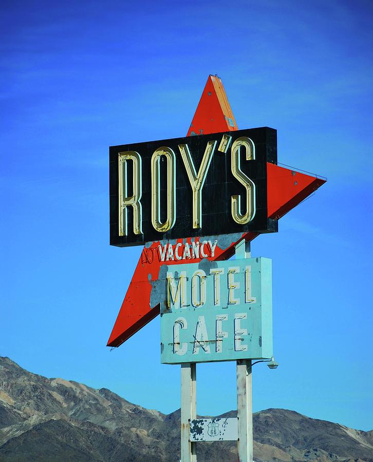 Roys Photograph - Motel Sign by Rheann Earnest
