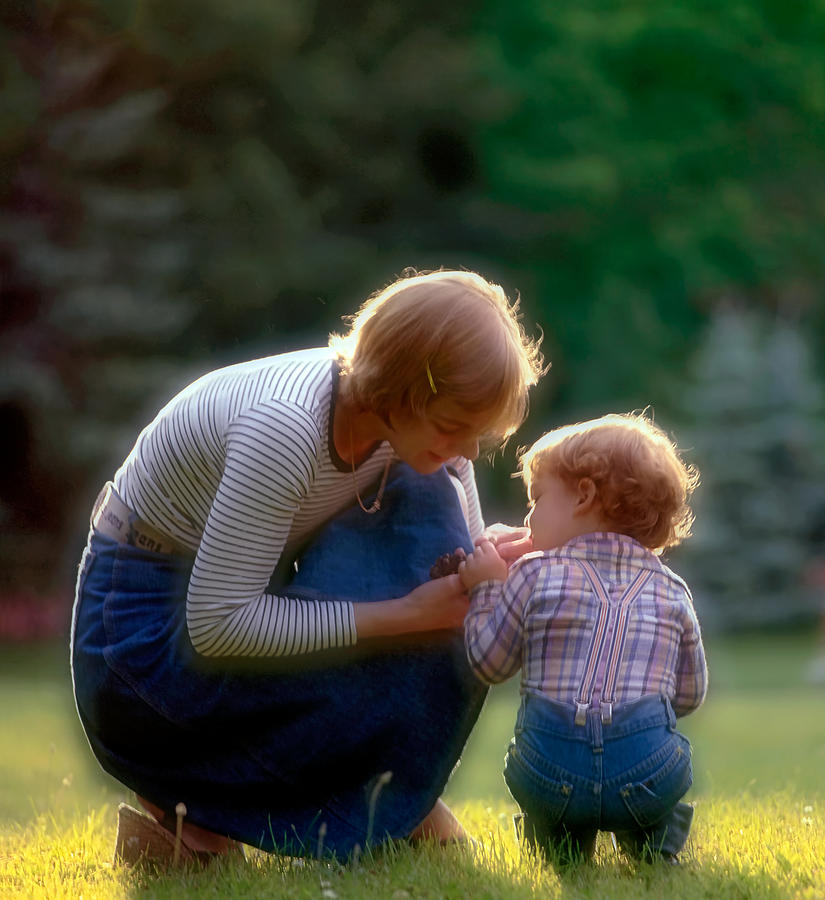 Mother And Son Photograph - Mother With Kid by Juan Carlos Ferro Duque