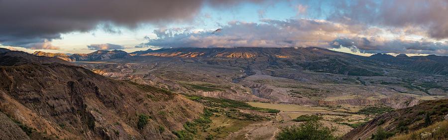 Pacific Northwest Photograph - Mount St Helen by Lindy Grasser