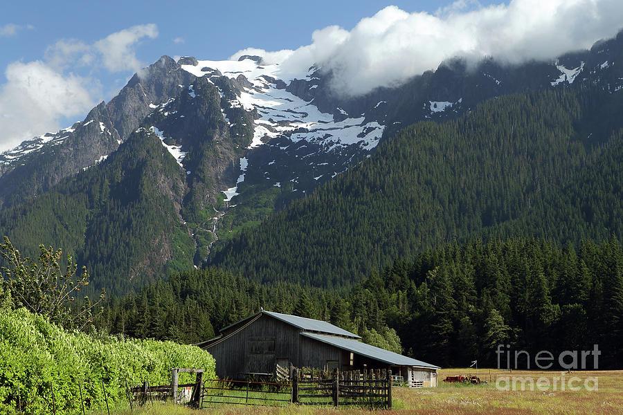 Barn Photograph - Mountain Barn by Rick Mann