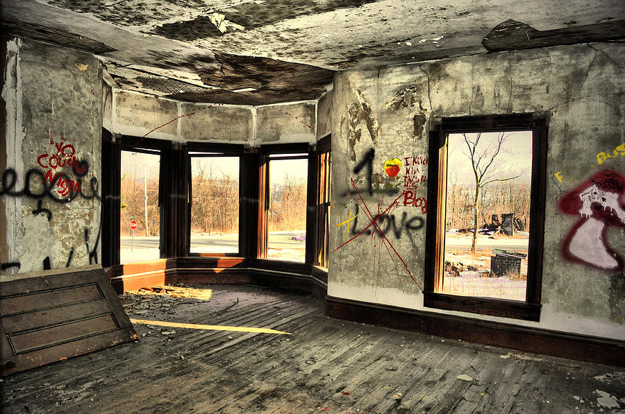 Abandoned House Photograph - Move In Ready by Emily Stauring
