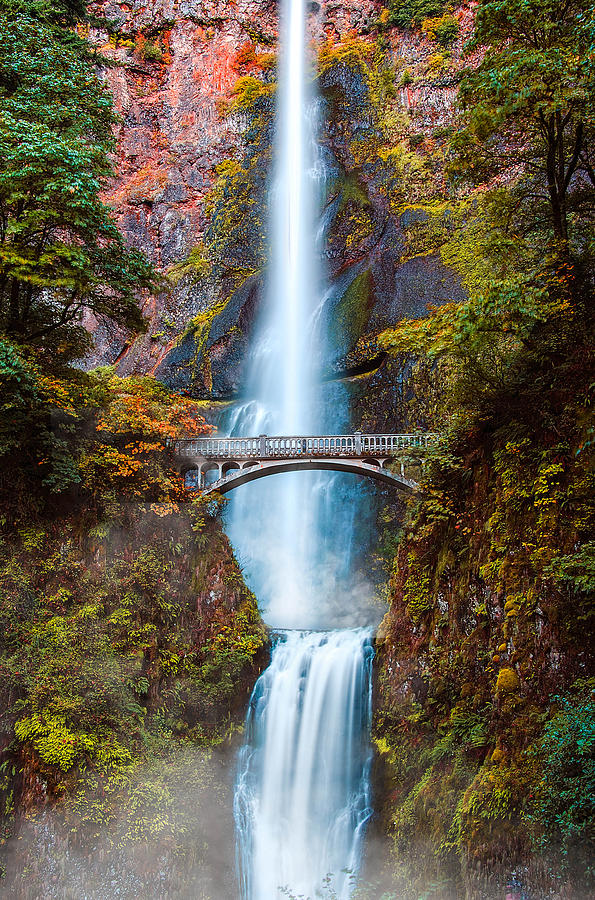 Multnomah Falls by Kevin McClish