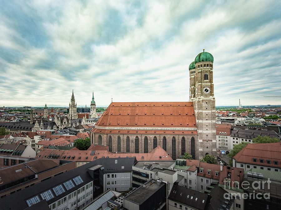 Munich - Frauenkirche by Hannes Cmarits
