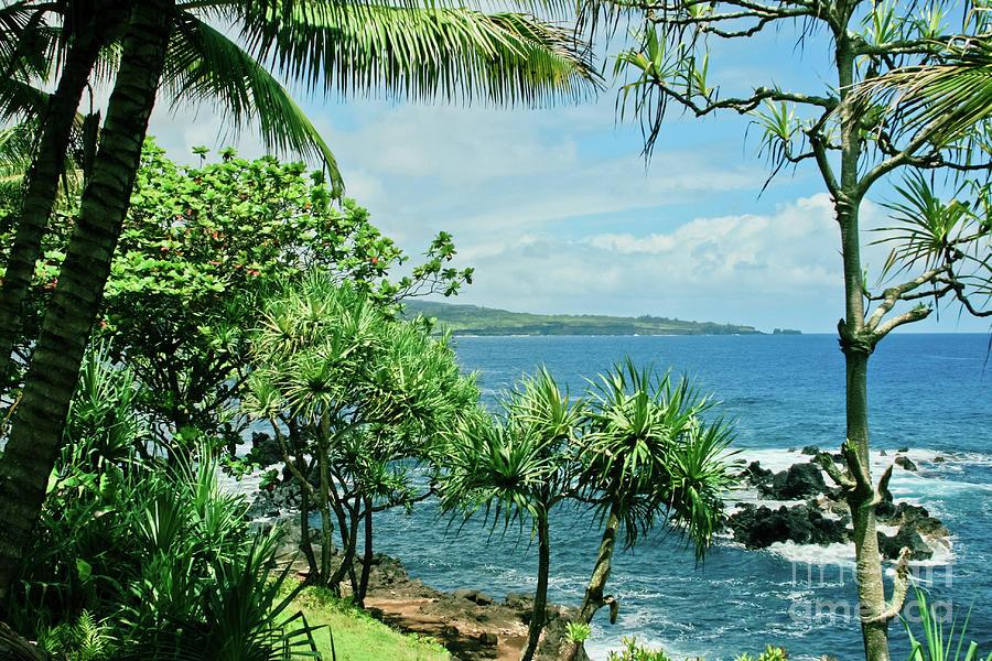 Maui Photograph - Nahiku Kaelua Hanawi Honolulunui Maui Hawaii by Sharon Mau