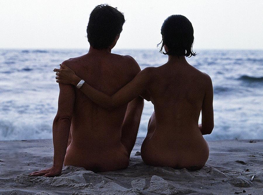Love Photograph - Naked Couple On Beach by Stan Fellerman