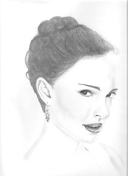 Natalie Portman Drawing - Natalie Portman by Rebecca Bellomo