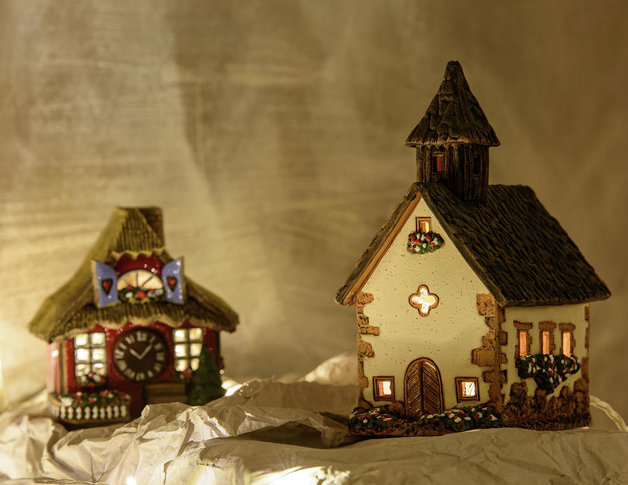 white photograph nativity christmas crib ceramic houses by nicola simeoni