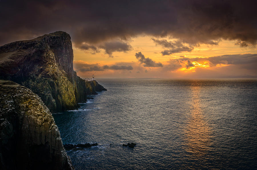 Scotland Photograph - Neist Point Lighthouse Isle of Skye by Peter OReilly