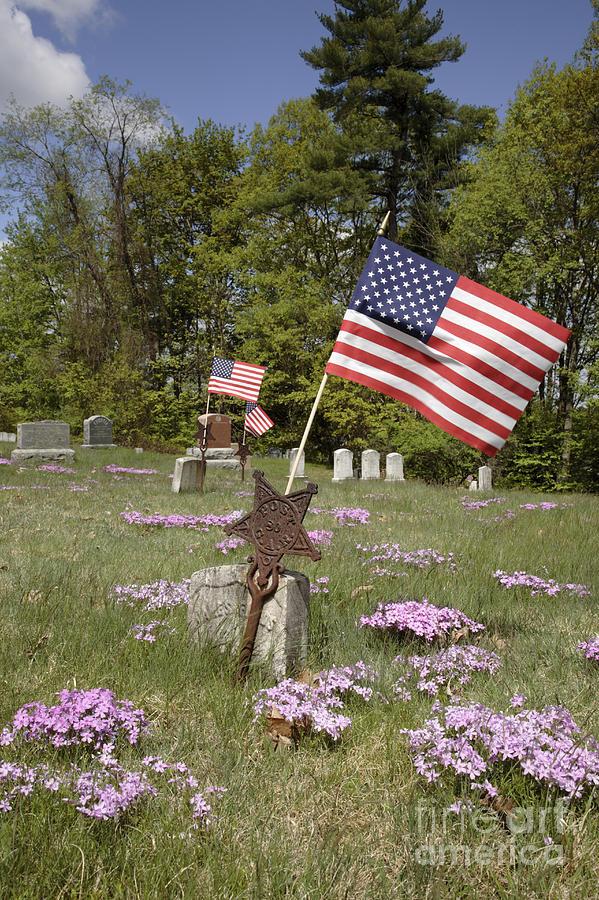 Veteran Photograph - New England Graveyard by Erin Paul Donovan