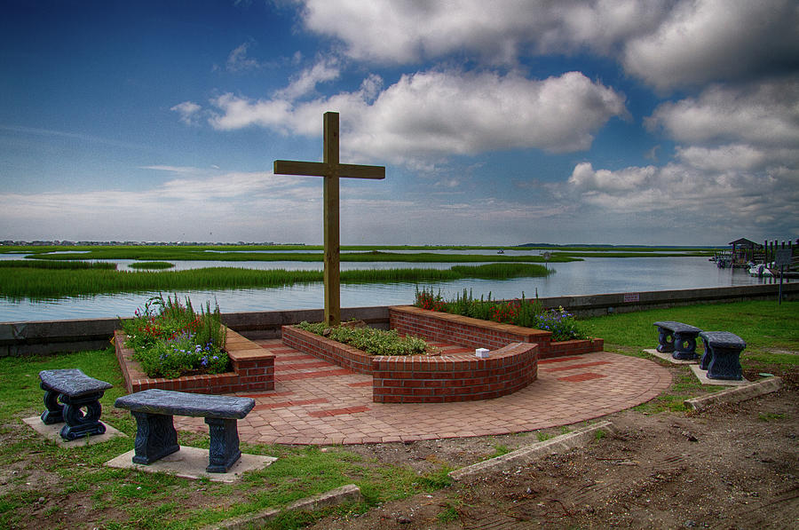 New Garden Cross at Belin UMC by Bill Barber