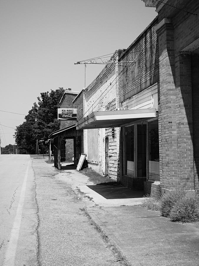 Small Towns Photograph - New Market Restaurant by Jeff Montgomery