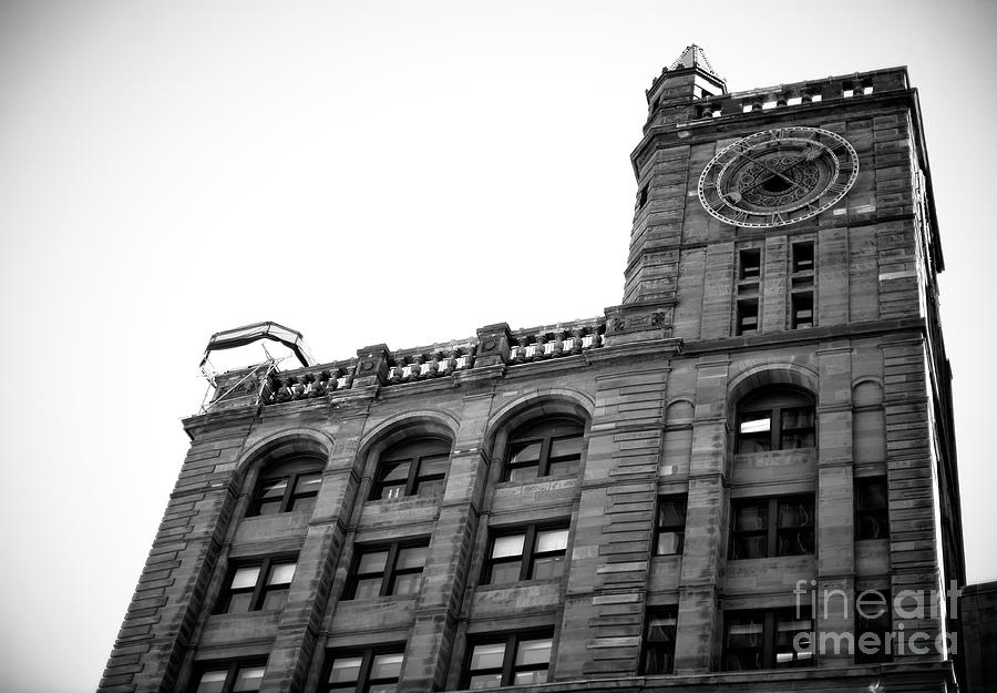 New York Life Insurance Building Photograph - Montreal New York Life Insurance Building by John Rizzuto