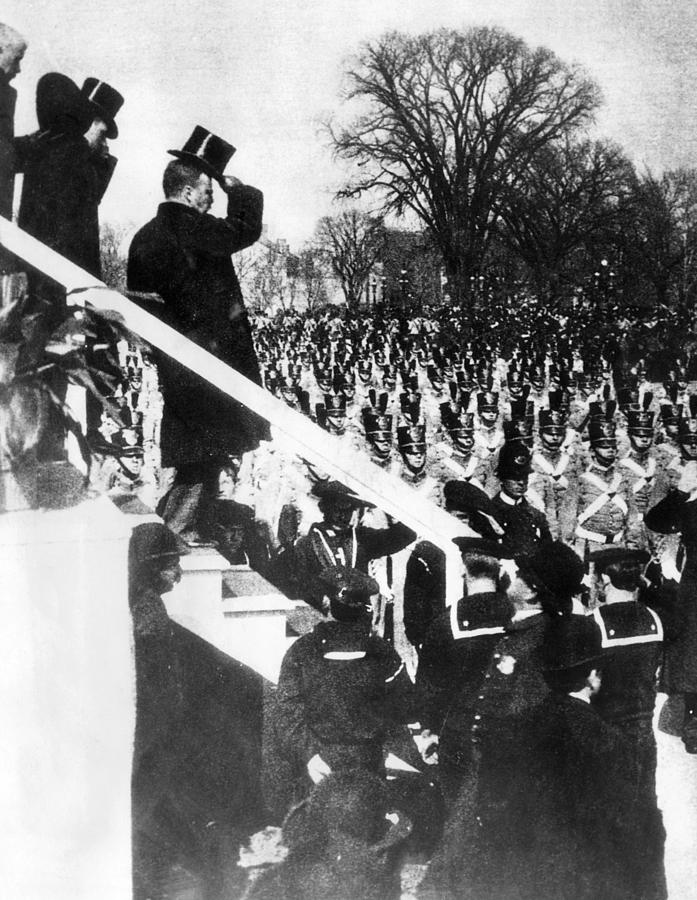 1900s Photograph - Newly Inaugurated President Of The U.s by Everett