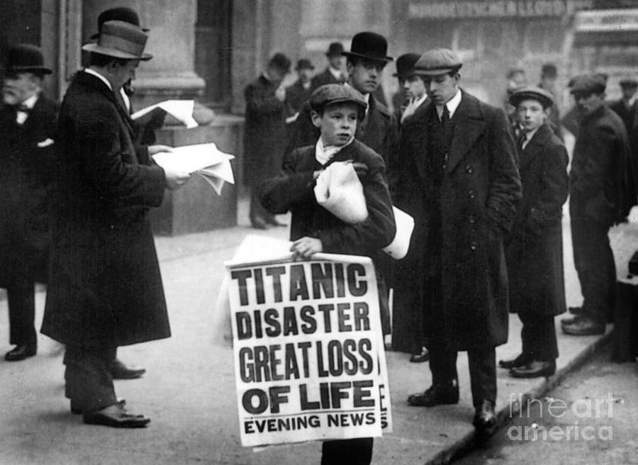 Oceanic House Photograph - Newsboy Ned Parfett Announcing The Sinking Of The Titanic by English School