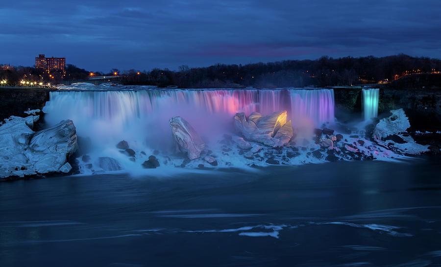 Niagara Falls Photograph - Niagara at Night by Linda Ryma
