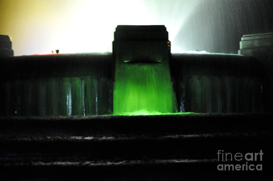 Clay Photograph - Night At Mulholland Fountain by Clayton Bruster