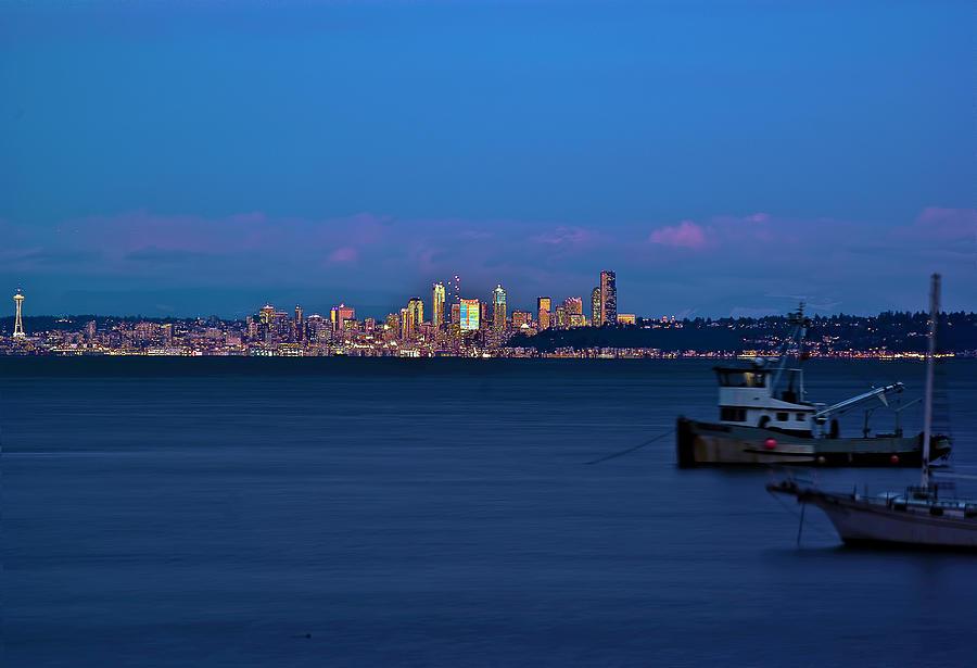Seattle Photograph - Night Descending On Seattle by Dale Stillman