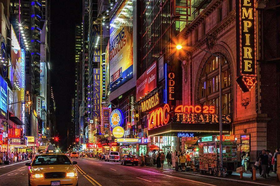 Color Photograph - Night In The Big Apple by James Heckt