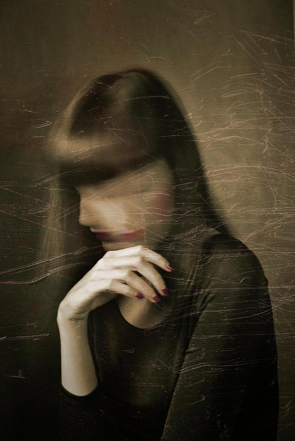 Portrait Photograph - Nobody by Francesca Ciavarella