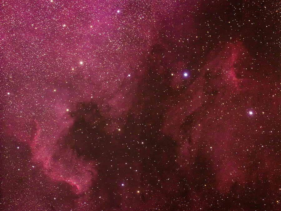North American And Pelican Nebulas Tapestry - Textile