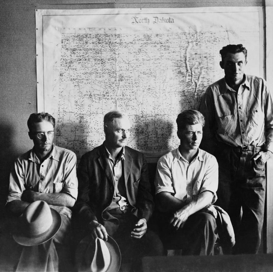 History Photograph - North Dakota Farmers Waiting by Everett