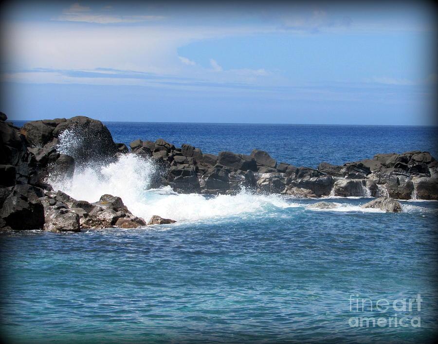 Oahu Photograph - North Shore Oahu Surf by Joy Patzner