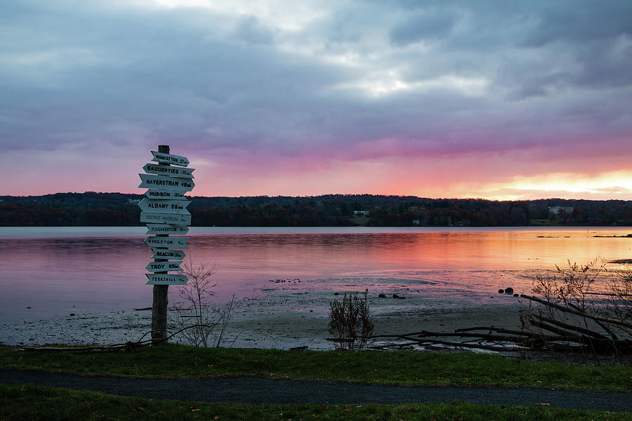 Dawn Photograph - November Sunrise At Esopus Meadows II by Jeff Severson