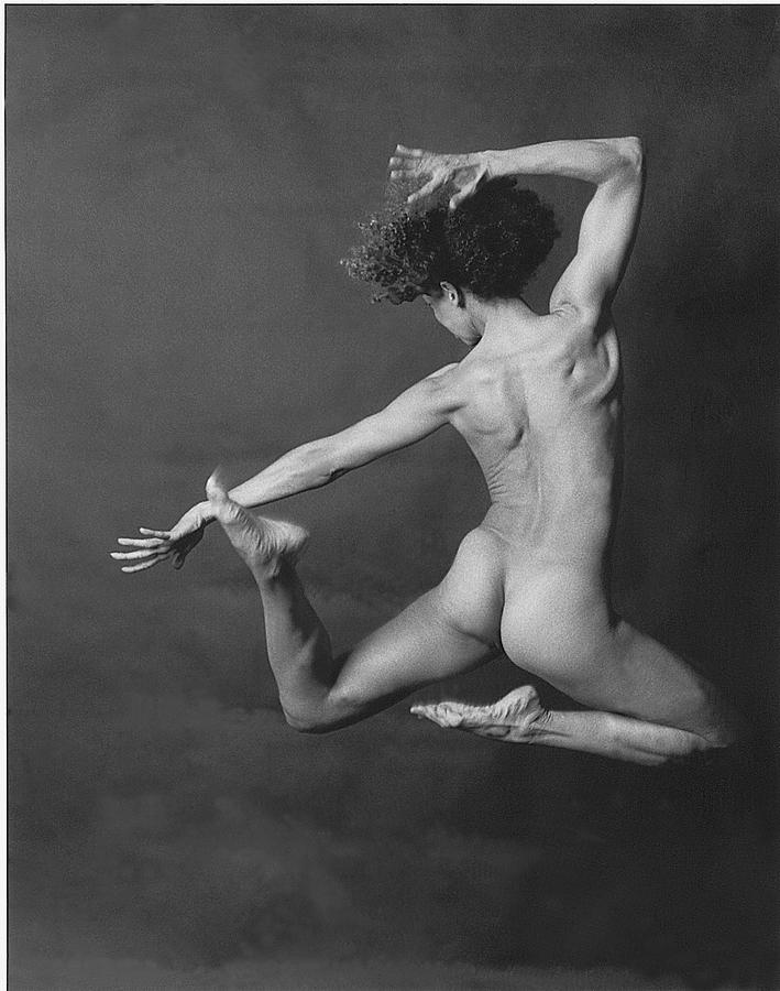 Nude Photograph - Nude Dancer by Carmine Scarpa