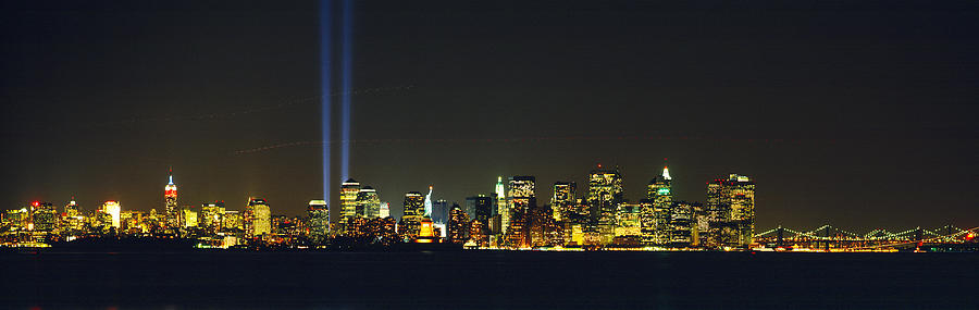 Color Image Photograph - Nyc, New York City, New York State, Usa by Panoramic Images