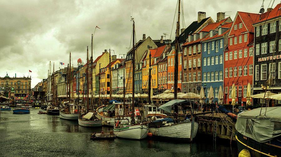 Nyhavn in Copenhagen by Rob Hemphill