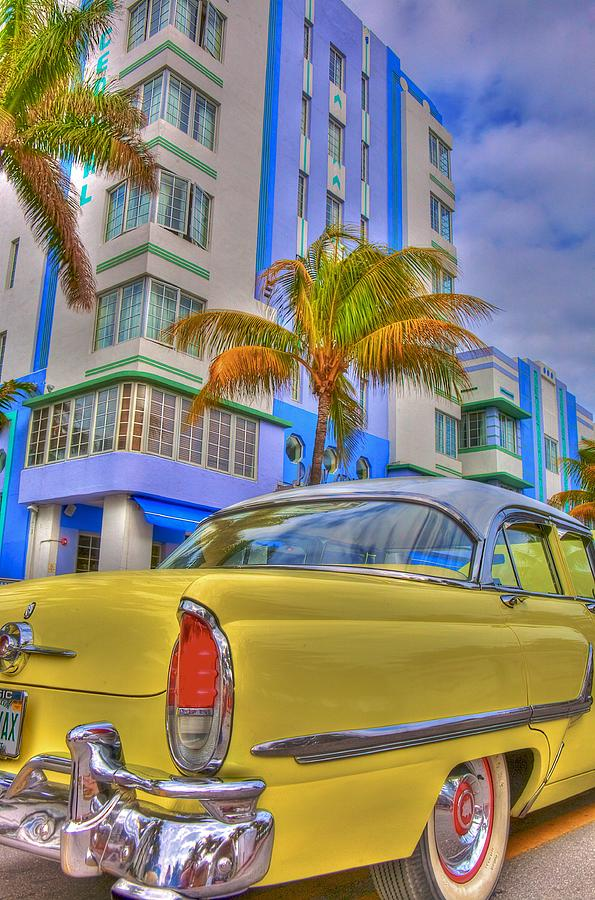 Art Deco Photograph - Ocean Drive by William Wetmore