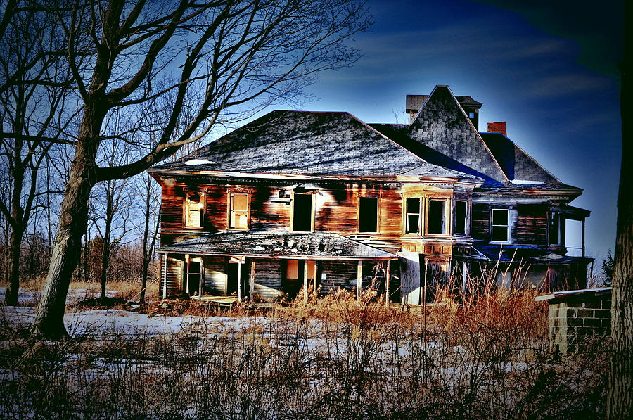 Abandoned House Photograph - Oh The Stories by Emily Stauring