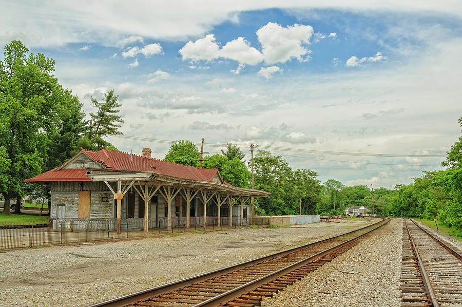 Train Tracks Photograph - Old Abandoned Train Depot by Barry Fowler