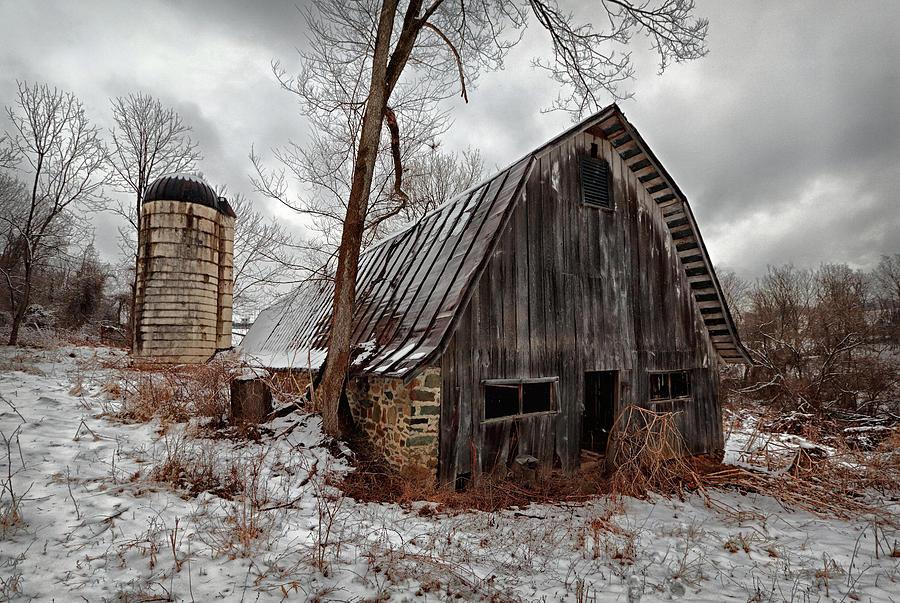 Old Barn Winter Photograph by Scott Fracasso