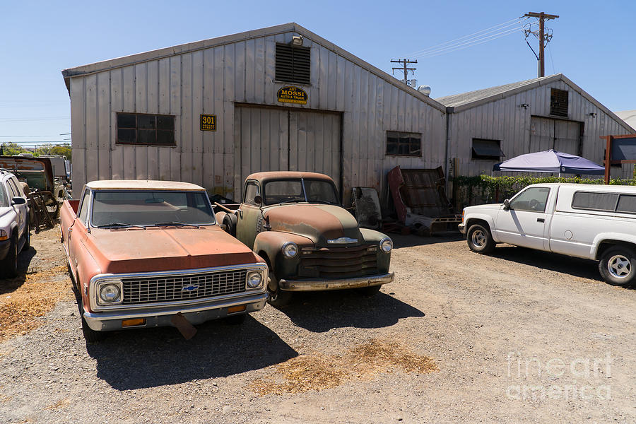 Old Chevrolet Trucks At The Art Mossi Auto And Truck In Petaluma ...