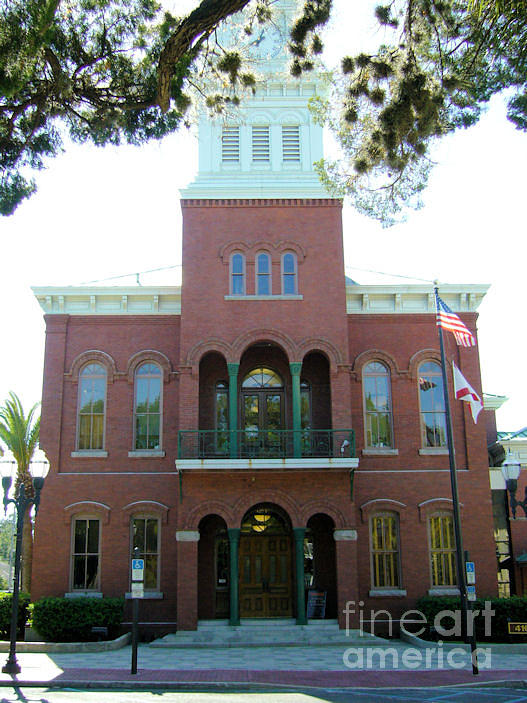 Building Photograph - Old Courthouse by Barbara Oberholtzer