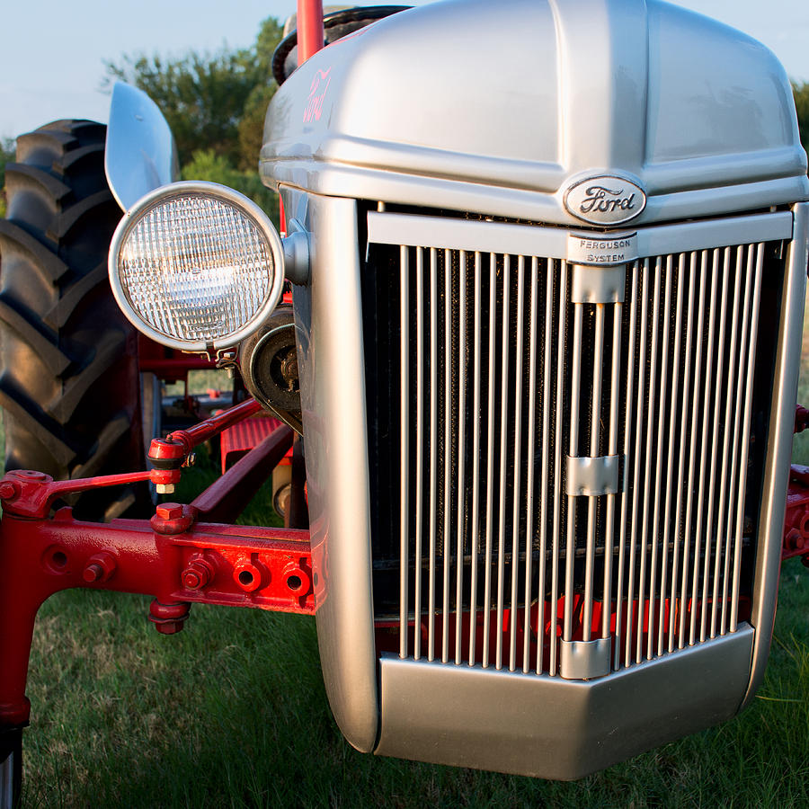 9n Ford Tractor >> Ford Tractor 9n Tractor Front