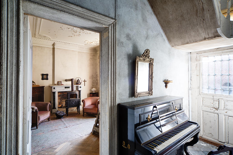 Old piano and living room abandoned house photograph by for Classic house piano