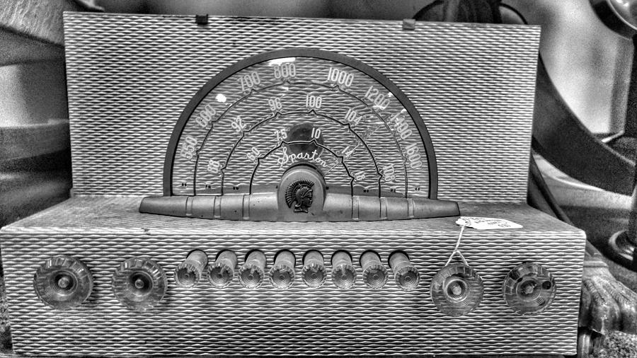 Vintage Radio Photograph - Old Radio by Noel Adams