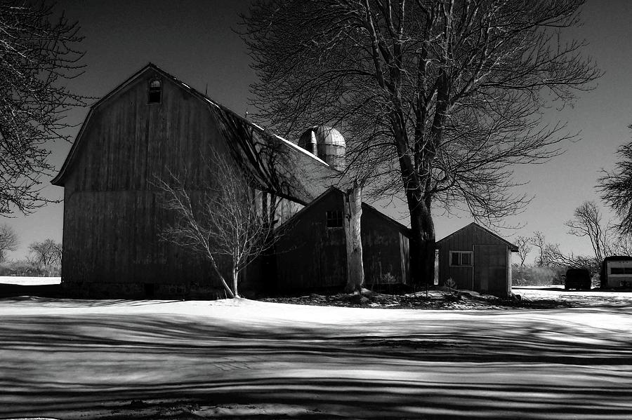 Old Red Barn Photograph by Joseph Rennie