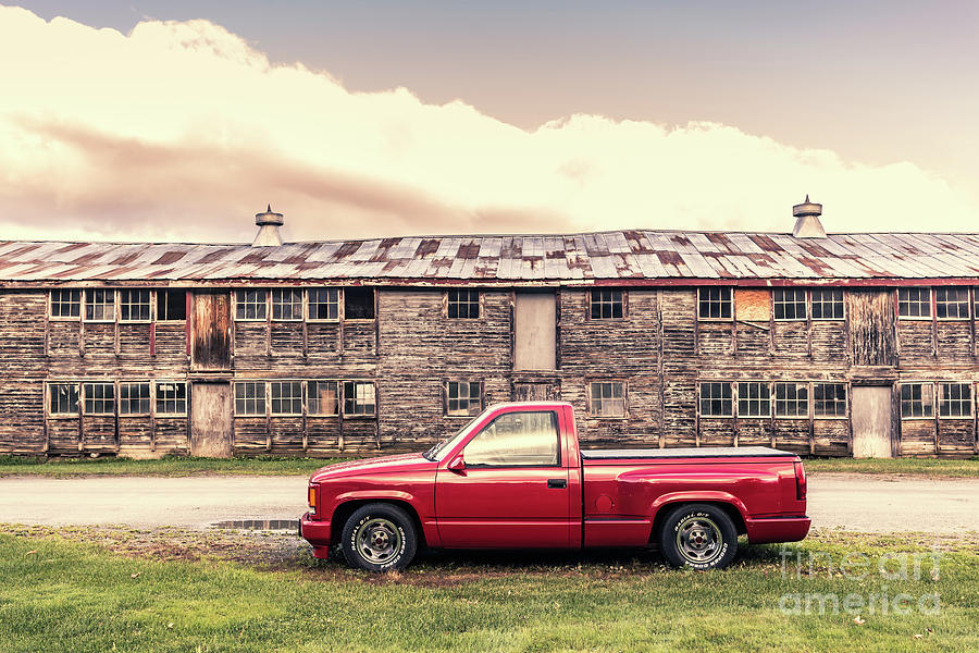 Stowe Photograph - Old Red Pickup Truck Stowe Vermont by Edward Fielding