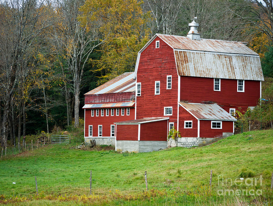 Barn Photograph - Old Red Vermont Barn by Edward Fielding